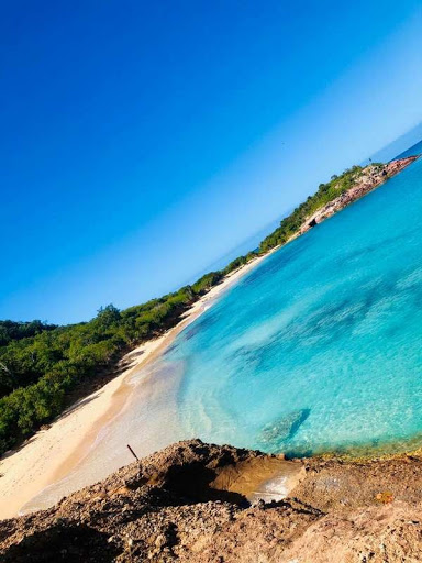 Just one of the 365 beaches in Antigua and Barbuda (courtesy of Antigua and Barbuda Embassy: Embassy.ag)
