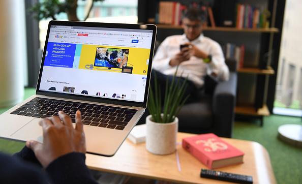 How Entrepreneurs Utilize the Advantages of Social Media