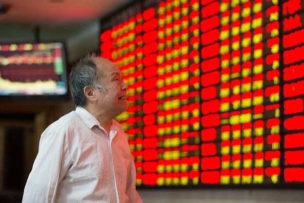 Asian stocks turn mixed, European stocks edged up