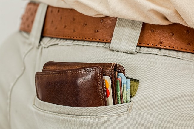 Moral Concerns Override Desire To Profit From Finding A Lost Wallet